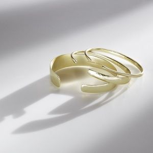 NWT Kendra Scott Tiana Pinch Bracelet Set in Gold